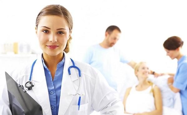 Lezárult a felzárkóztató ápoló képzési program