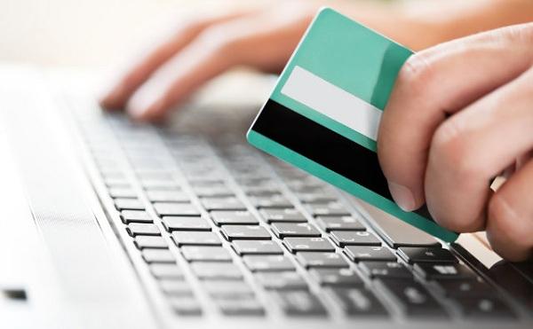 Fokozott figyelemre int az online jegyvásárlásoknál a GVH