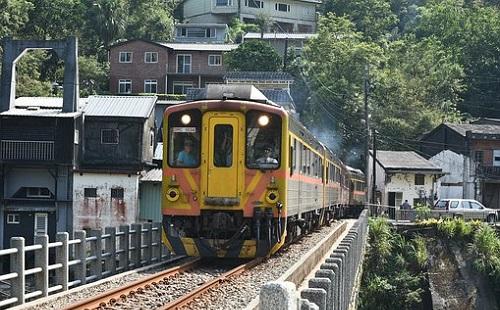 Vonat gázolt halálra egy embert