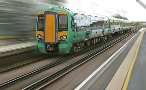 Gyalogost ütött el a vonat