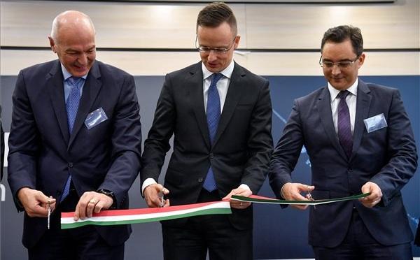 Mérnöki és szolgáltató központot adtak át Debrecenben
