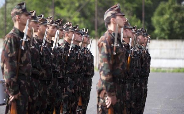 Nő a katonák és a honvédelmi alkalmazottak bére