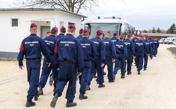 A hivatásos állományú rendőrök bére is nőtt