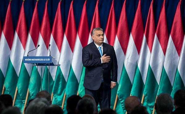 Orbán Viktor hétpontos családvédelmi akciótervet jelentett be