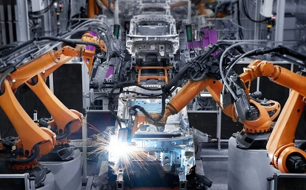 A V4-ek között a magyar ipar nőtt a leggyorsabban