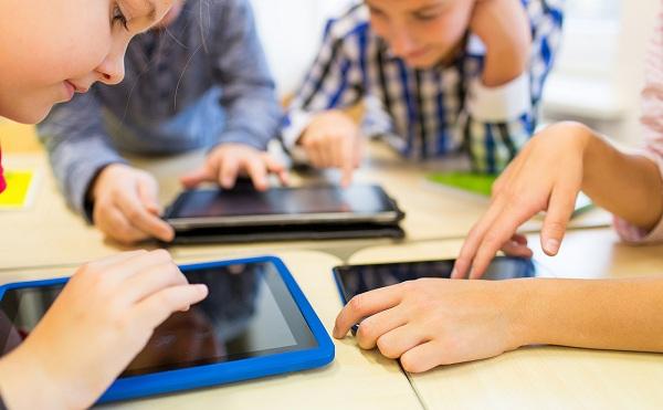 A jövő digitális iskolájáról tartottak konferenciát