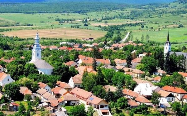 Több ezer település érdeklődik a Magyar Falu Program iránt