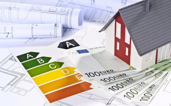 Társadalmi egyeztetésen az épületenergetikai pályázat