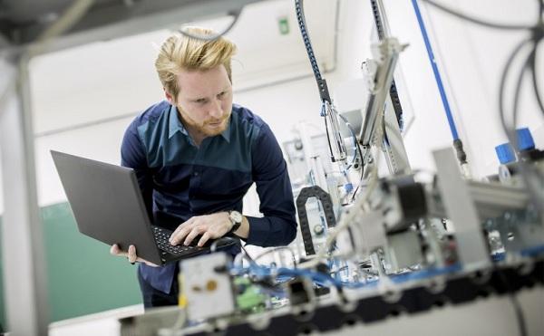 A cél, hogy minél több mérnöki és szolgáltató tevékenység jöjjön az országba
