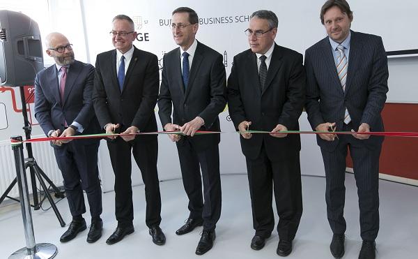 Új pénzügyi oktatóközpont nyílt
