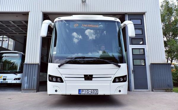 Új magyar fejlesztésű autóbusz jelenik meg a piacon