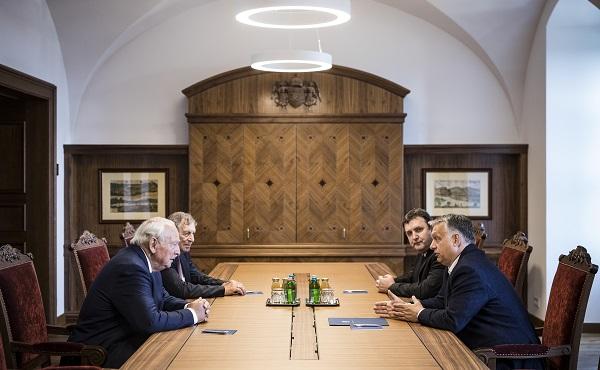 A Knorr-Bremse vezetőjével tárgyalt Orbán Viktor