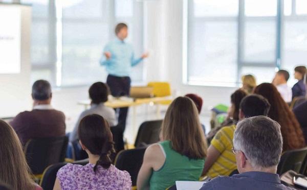 Munkahelyi oktatásokkal a pénzügyi tudatosság fejlesztéséért