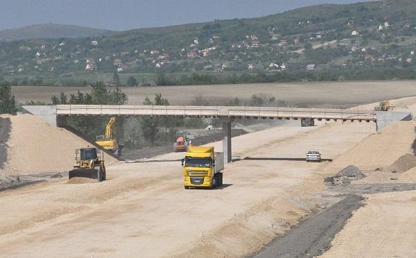 Jelentős közútfejlesztési program valósulhat meg