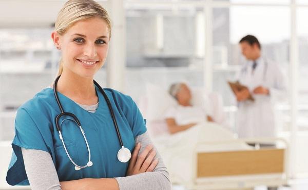 Tovább emelkedik az ápolók bére