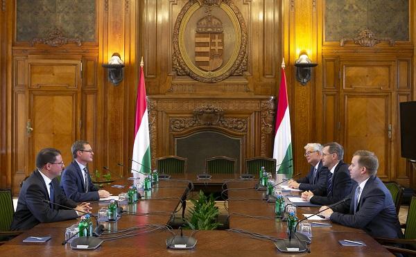 A Világbank is segítheti a magyar vállalkozások nemzetközi piacra jutását