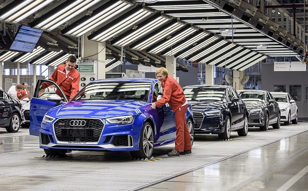 41 milliárd forintból bővíti győri központját az Audi