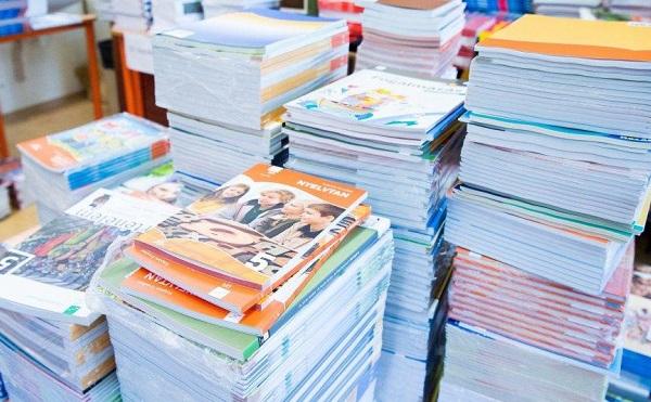 Félmillióval több tankönyvet rendeltek az iskolák