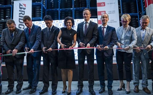 Száz munkahelyet hozott létre a Bridgestone Tatabányán