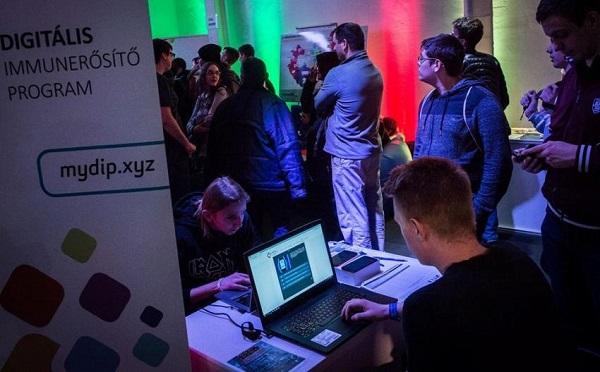 Székesfehérváron folytatódik a Digitális immunerősítő program