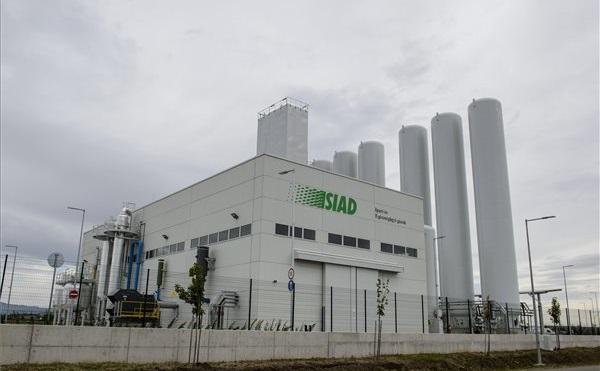 Átadták a SIAD cégcsoport új gyárát Gyöngyöshalászon