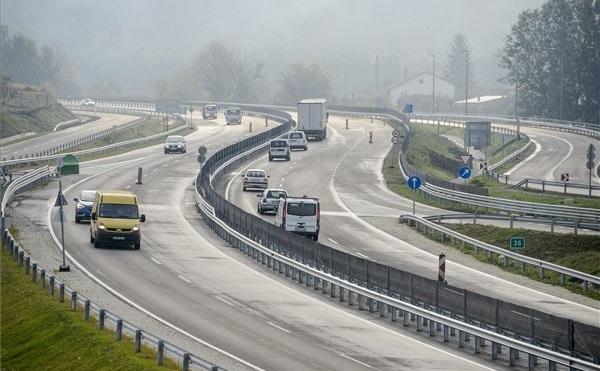 Majdnem 500 kilométernyi út újulhat meg idén