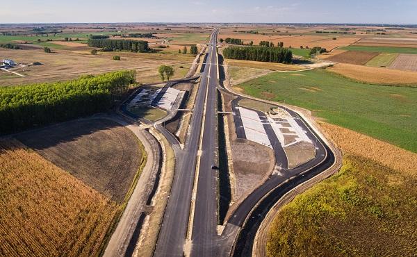 2024-ig mintegy 3200 milliárd forintból fejlesztik az úthálózatot