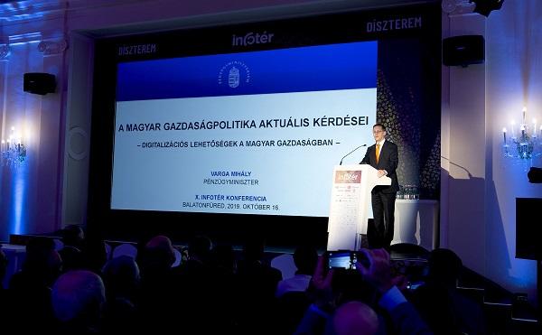 137 milliárd forintot biztosít a kormány a vállalati digitalizáció fejlesztésére