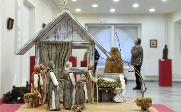 Szimbolikus karácsonyi ajándék a Betlehemi Jászol kiállítás