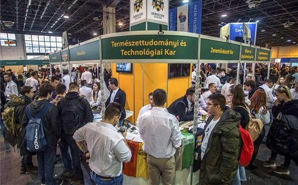 Megnyílt az Educatio nemzetközi oktatási szakkiállítás a Hungexpón