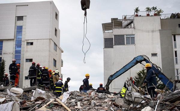 Uniós és nemzetközi adományozók több mint 1 milliárd euróval segítik Albánia újjáépítését