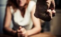 Jogszabálycsomaggal tennék hatékonyabbá a kapcsolati erőszakkal szembeni fellépést