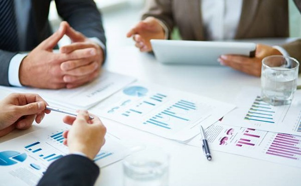 A héten kezdődhetnek az állami közszolgáltató vállalatok bértárgyalásai