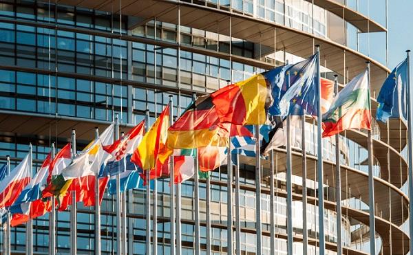 Az EU megállapodott a harmincnapos beutazási korlátozás elrendeléséről