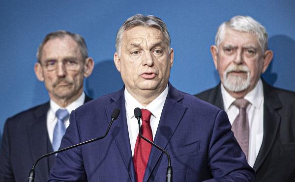 Orbán: további kisvállalkozók kapnak adómentességet