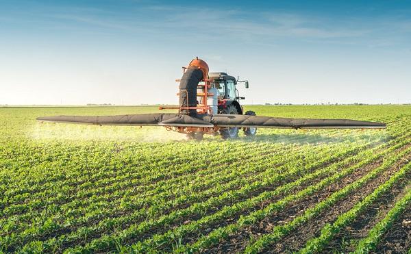 Többlettámogatással segíti a kormány az agrár- és élelmiszeripari vállalkozásokat