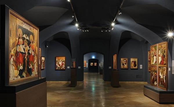Bővülő virtuális múzeumi tartalmak és újra megnyitó turisztikai látványosságok várják az érdeklődőket