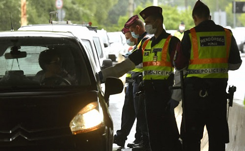 Megszűnik a karanténba vonulási kötelezettség a román-magyar határon