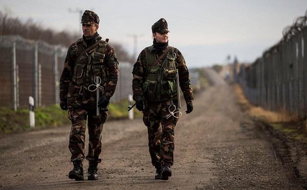 Több katona és rendőr szolgál a határoknál