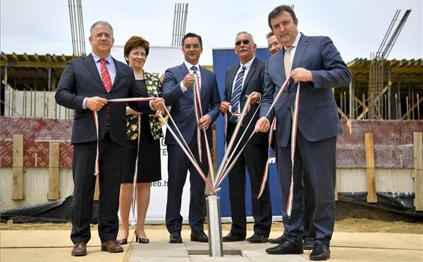 Oltóanyag üzem és innovációs központ épül a Debrecenben