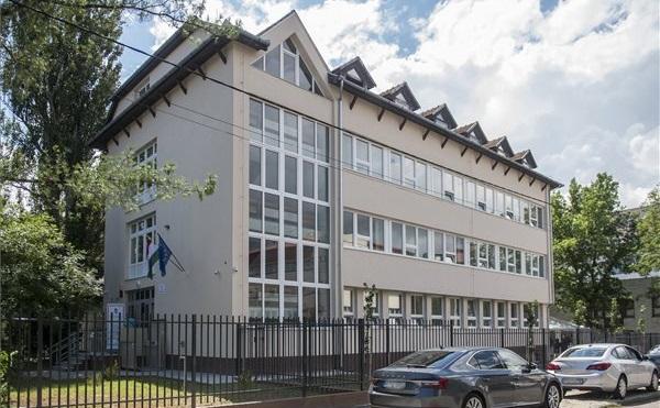 Átadták a Bács-Kiskun Megyei Kormányhivatal felújított épületét Kecskeméten
