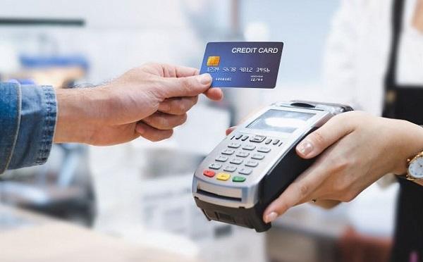 Januártól akár egy forintot is kifizethetünk bankkártyával