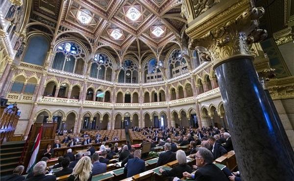 OGY: feltételekhez kötötték az uniós hitelfelvétel támogatását