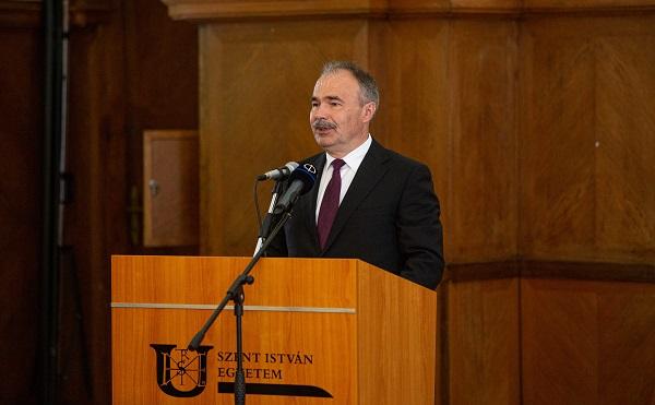 A XXI. század kihívásaira keresi a válaszokat az integrált Szent István Egyetem