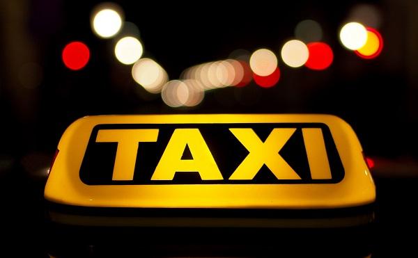 Törvénymódosítás: büntetett előéletűek nem vezethetnek taxit