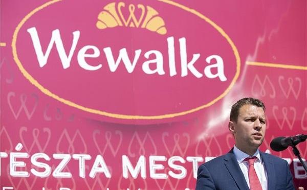 Lerakták a Wewalka Kft. új üzemcsarnokának alapkövét