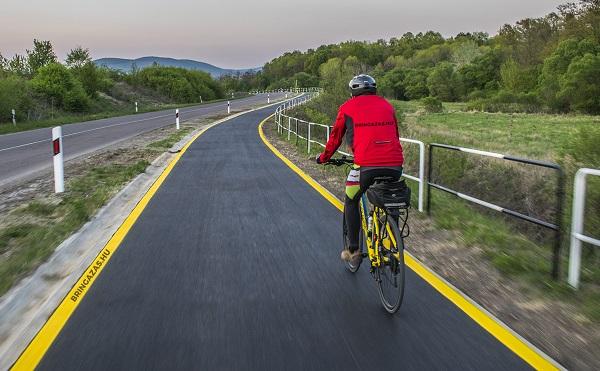 A kerékpárutak hossza 2030-ra eléri a 15 ezer kilométert