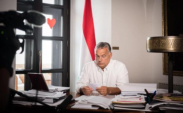 Orbán: a vírus terjedése újabb korlátozásokat igényel
