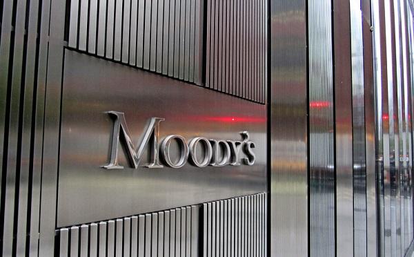Magyar bankok osztályzati kilátását javította pozitívra a Moody's