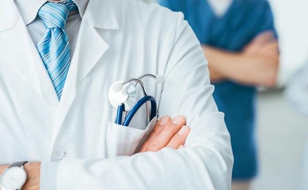 Orbán: történelmű bérelemés az orvosoknak